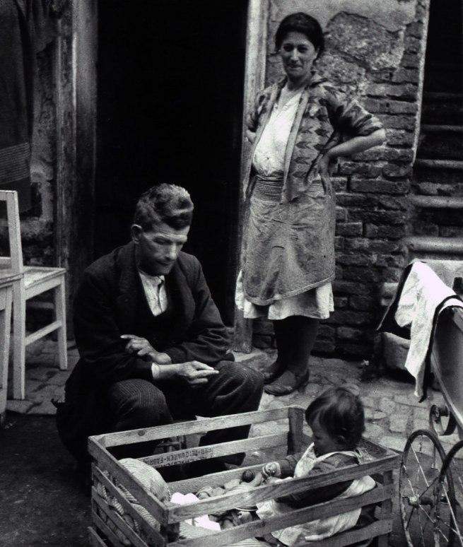 Edith Tudor-Hart. 'Unemployed Family, Vienna' 1930