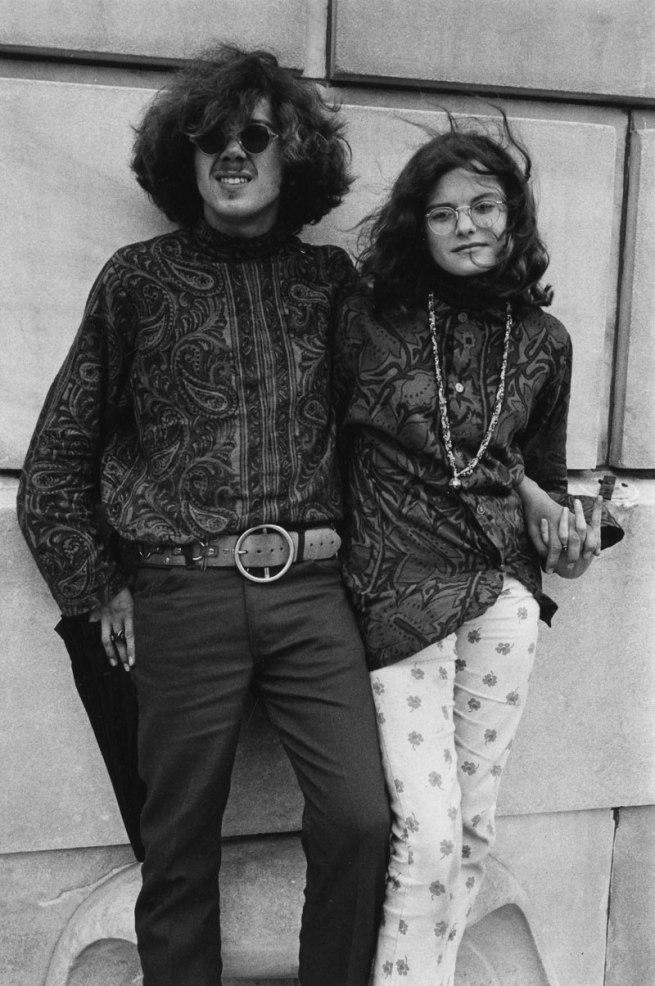 Enrico Natali. 'Couple outside of an art museum, Detroit, 1968' 1968