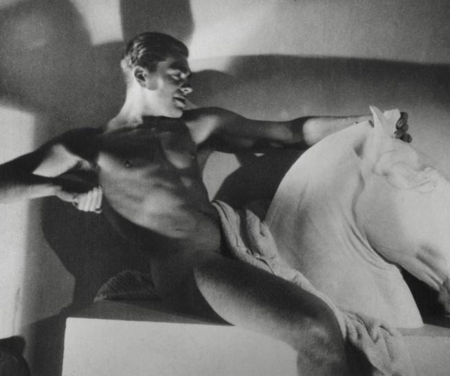 George Hoyningen-Huene (1900-1968) 'Horst P. Horst, Photographie' 1932