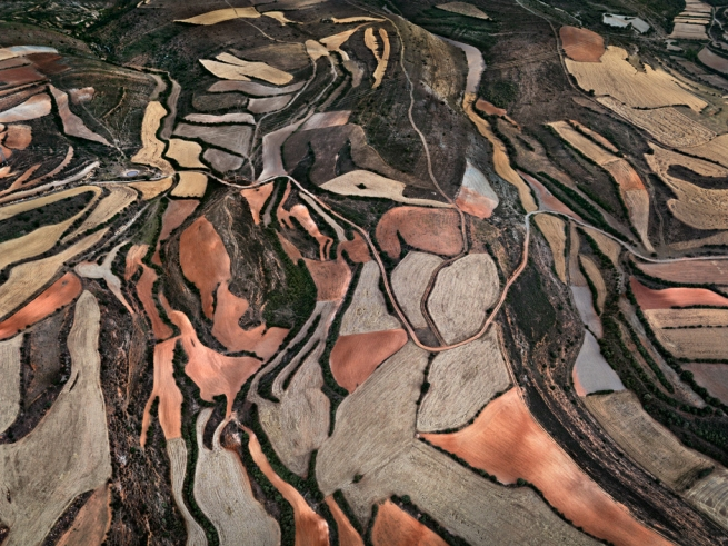 Edward Burtynsky. 'Dryland Farming #24, Monegros County, Aragon, Spain' 2010