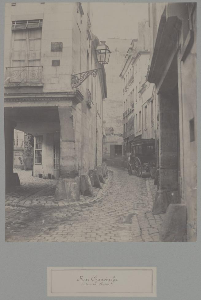 Rue-Chanoinesse-(de-la-rue-des-Chantres)-opaque