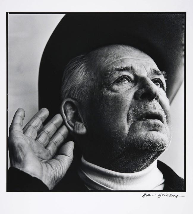 Hans Gedda. 'Evert Taube, author, singer, artist' Reprint 2012