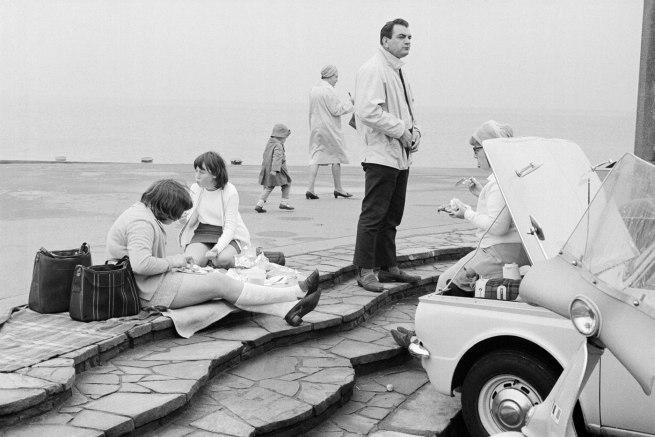 Tony Ray-Jones. 'Location unknown, possibly Worthing' 1967-68