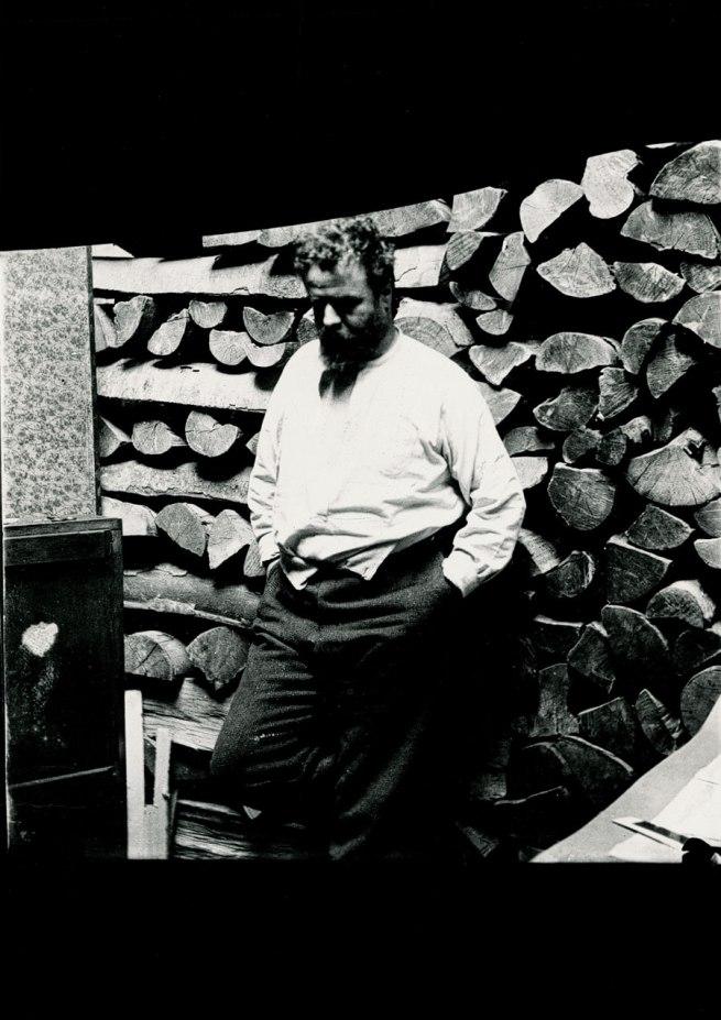 Medardo Rosso. 'Self-portrait in the studio' c. 1906