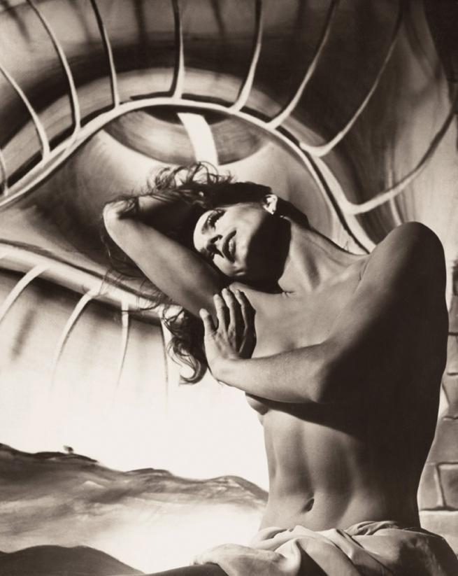 Philippe Halsman. 'Folle Iseult' 1944