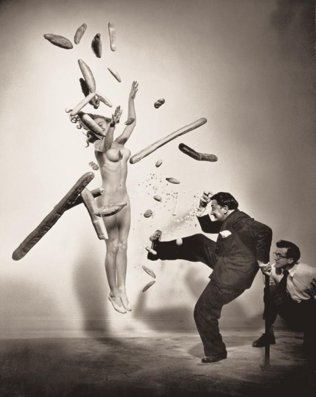 Philippe Halsman. 'Nu au pop-corn (Popcorn nude)' 1949