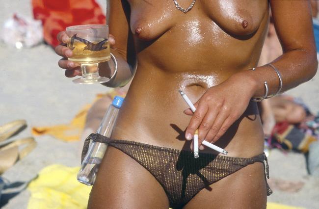 Rennie Ellis.'Fully equipped, Albert Park Beach' c. 1981