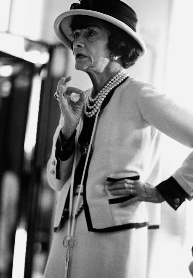 Douglas Kirkland. 'Chanel im Atelier' (Chanel in the studio) 1962