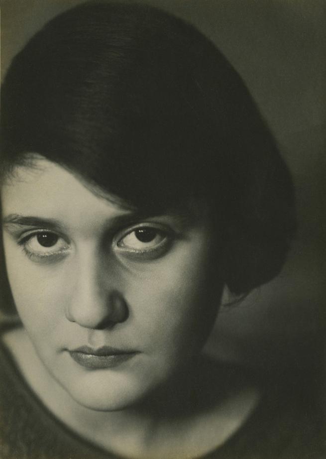 Aenne Biermann. 'Portrait of Anneliese Schiesser' 1929