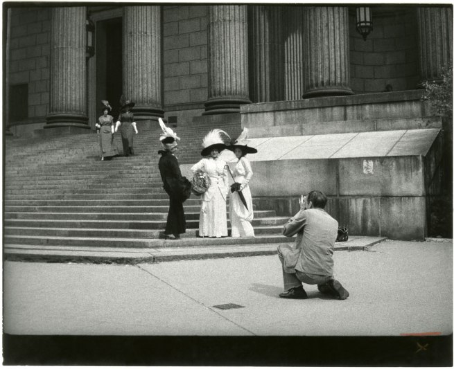 Unknown artist. 'Bill Cunningham Photographing Three Models at New York County Court House' c. 1968-76