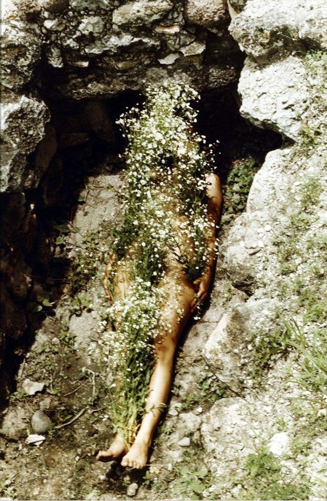 Ana Mendieta. 'Imagen de Yagul' 1973