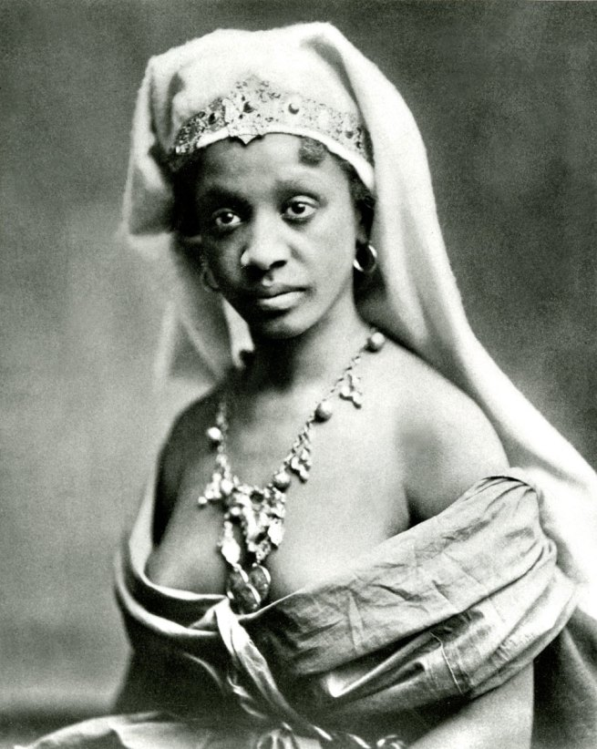 Edward Curtis. 'A Desert Queen' 1898 (printed 2009)