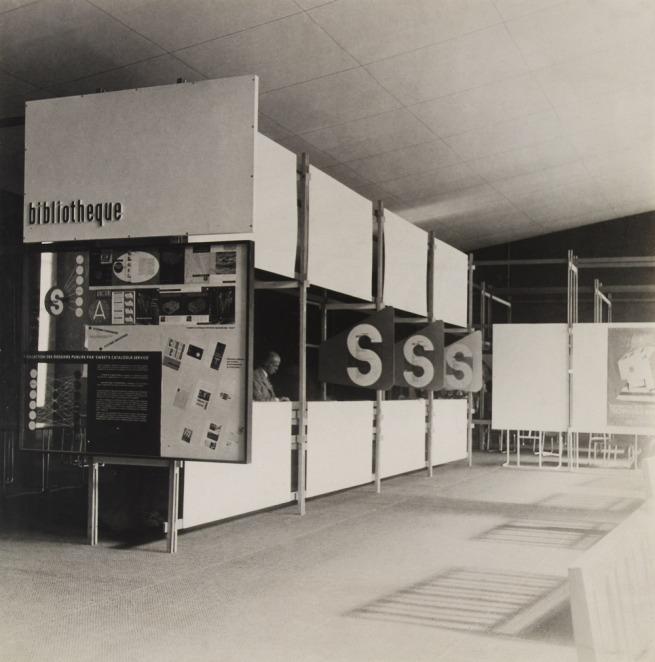 Knud Lonberg-Holm. 'Sweet's Display Exposition des Techniques Américianes de l'Habitation et de l'Ubranisme (Biblioteque SS)' Paris, Grand Palais, June 14-July 21, 1946