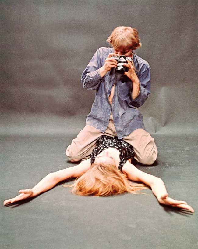 "Tazio Secchiaroli. 'David Hemmings and Veruschka von Lehndorff in ""Blow-Up"" (directed by Michelangelo Antonioni)' 1966"