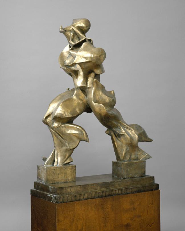 Umberto Boccioni. 'Unique Forms of Continuity in Space' (Forme uniche della continuità nello spazio) 1913 (cast 1949)
