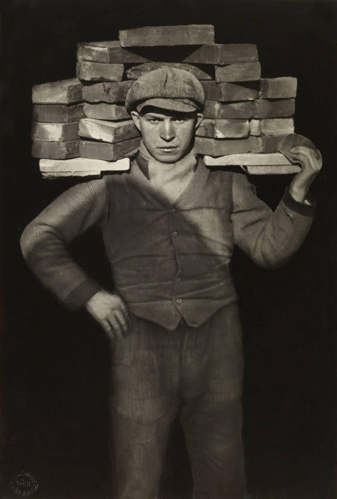 August Sander. 'Handlanger [Odd-job man]' 1928