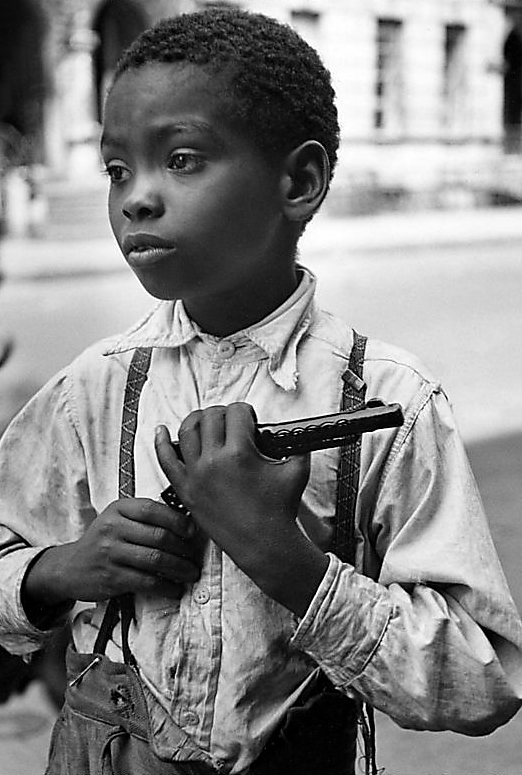 Helen Levitt. 'Untitled (Boy and gun)' 1940