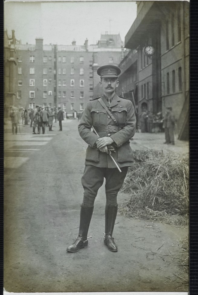 Christina Bloom. 'A lieutenant from the 1st Life Guards poses for the camera in August 1914'
