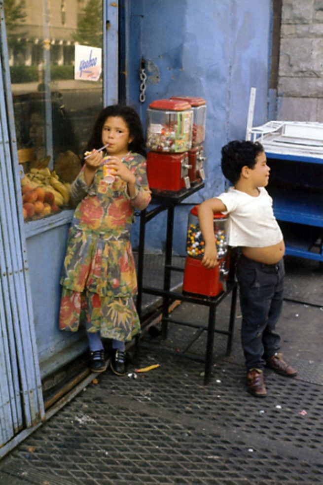 Helen Levitt. 'Fruit and candy' Nd