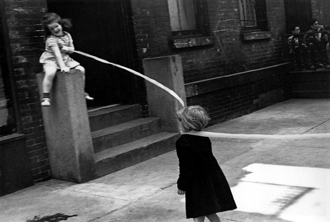 Helen Levitt. 'New York (Two girls with ribbon)' c. 1940