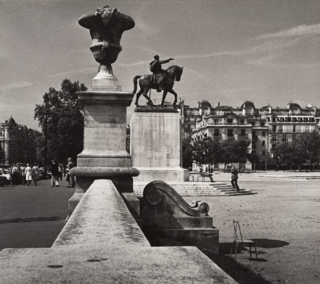 Max Dupain (Australia 22 Apr 1911 - 27 Jul 1992) 'Untitled (statue of Maréchal Joffre, Place Joffre, Champ-de-Mars)' 1978