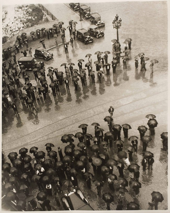 Kati Horna. 'Los Paraguas, mitin de la CNT' [Umbrellas, Meeting of the CNT], Spanish Civil War Barcelona, 1937