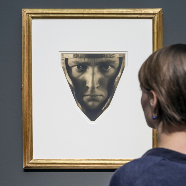 Rudolf Koppitz. 'Head of a Man with Helmet' c. 1929. Installation view of the exhibition 'Lichtbilder. Photography at the Städel Museum from the Beginnings to 1960'
