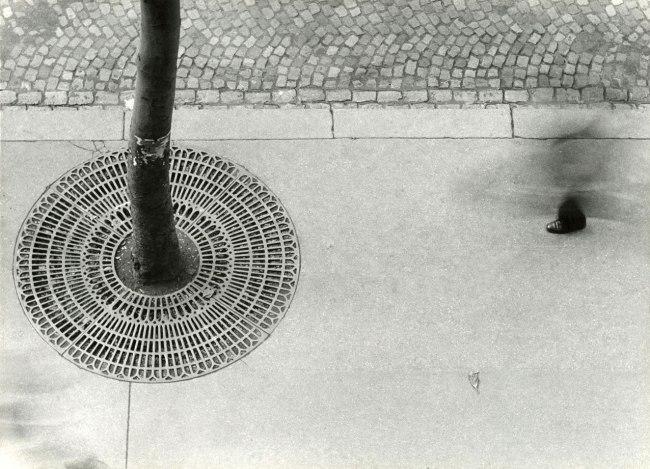 Otto Steinert (1915-1978) 'Ein-Fuß-Gänger' 1950