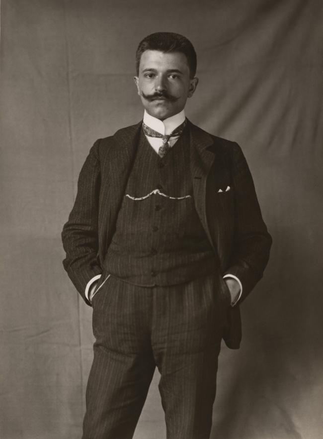 Unknown photographer. 'Portrait Erich Stenger' 1906