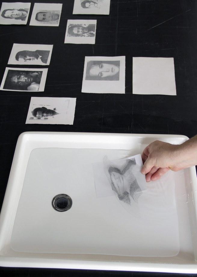Oscar Muñoz. 'Sedimentaciones' [Sedimentations] 2011