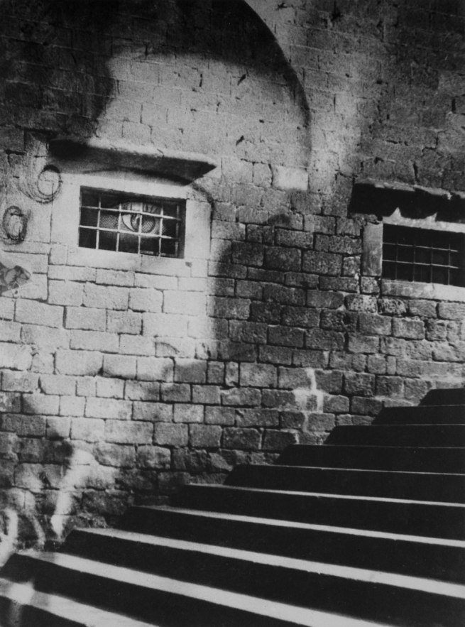 Kati Horna. 'Subida a la catedral [Ascending to the Cathedral], Spanish Civil War' Barcelona 1938