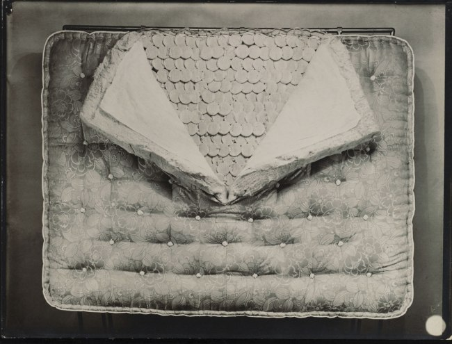 Éditions Paul Martial, Paris. 'Sliced ​​mattress' c. 1928-29