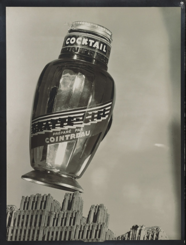 "Éditions Paul Martial, Paris. 'Cocktail ""Gratte-Ciel"" Cointreau, advertising design' June 1931"