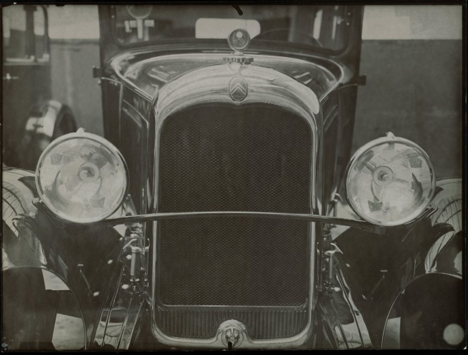 Éditions Paul Martial, Paris. 'Front view of a Citroën automobile' c. 1927-28