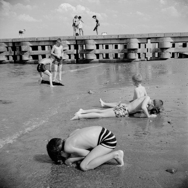 Vivian Maier. 'June 1963. Chicago, IL'