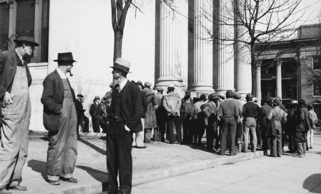 Walker Evans. 'Crowd In Public Square' 1930s