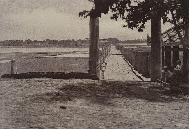 Linnaeus Tripe. 'Amerapoora: Wooden Bridge, September 1–October 21, 1855' 1855