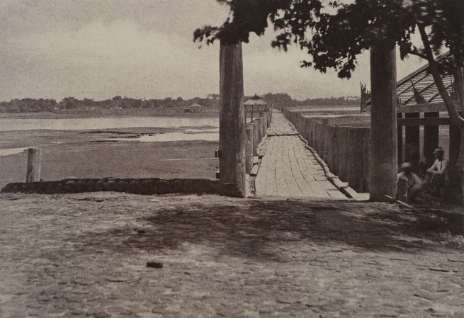 Linnaeus Tripe. 'Amerapoora: Wooden Bridge, September 1–October 21, 1855' 1855