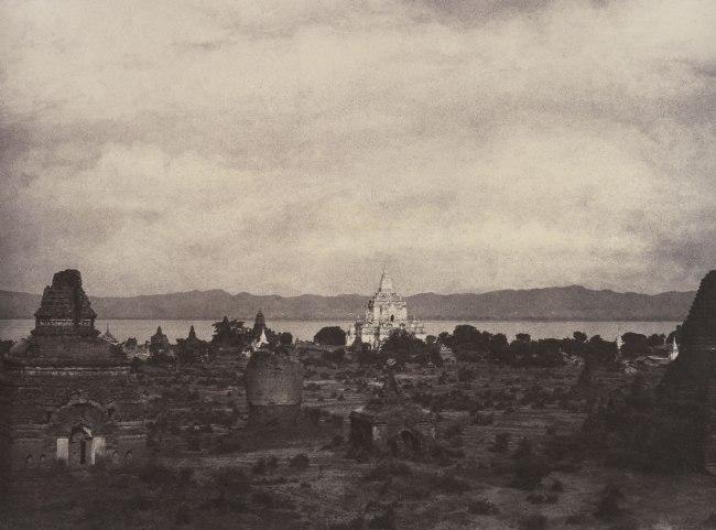 Linnaeus Tripe. 'Pugahm Myo: Distant View of Gauda-palen Pagoda, August 20-24, 1855' 1855