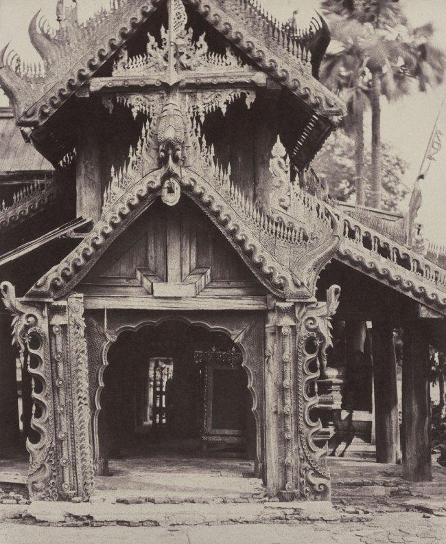 Linnaeus Tripe. 'Pugahm Myo: Carved Doorway in Courtyard of Shwe Zeegong Pagoda, August 20-24 or October 23, 1855' 1855