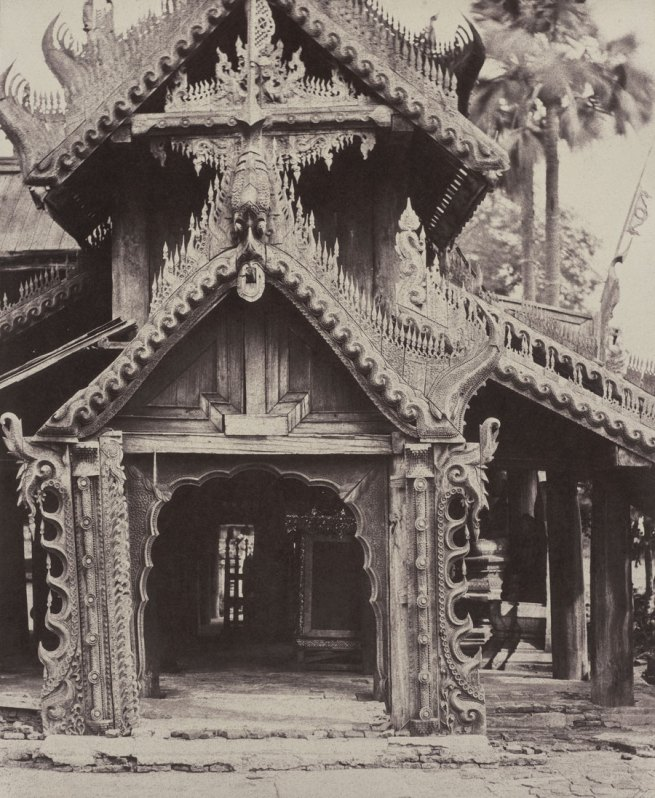 Linnaeus Tripe. 'Pugahm Myo: Carved Doorway in Courtyard of Shwe Zeegong Pagoda, August 20-24 or October 23, 1855' 1855