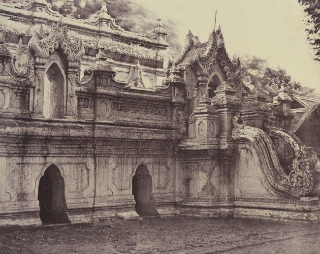 Linnaeus Tripe. 'Amerapoora: Toung-lay-lou-tiy Kyoung, September 1-October 21, 1855' 1855