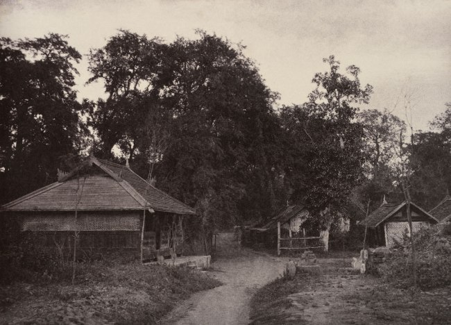 Linnaeus Tripe. 'Tsagain Myo: A Roadway, August 29-30, 1855' 1855
