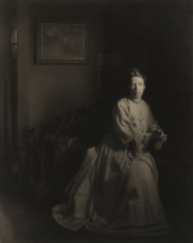 Clarence H. White. 'Mrs. White - In the Studio' 1907