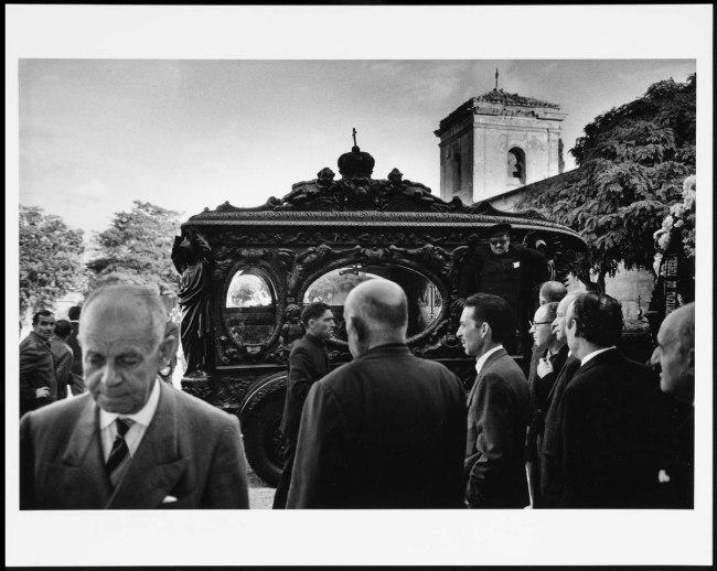Francisco Ontañón (Barcelona, Spain, 1930 - Madrid, Spain, 2008) 'Entierro (Madrid)' (Burial [Madrid]) 1967 / Posthumous print, 2013