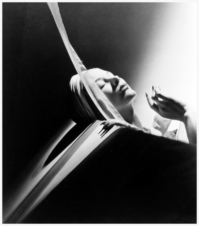 Horst P.Horst. 'Lisa with Turban, New York' 1940