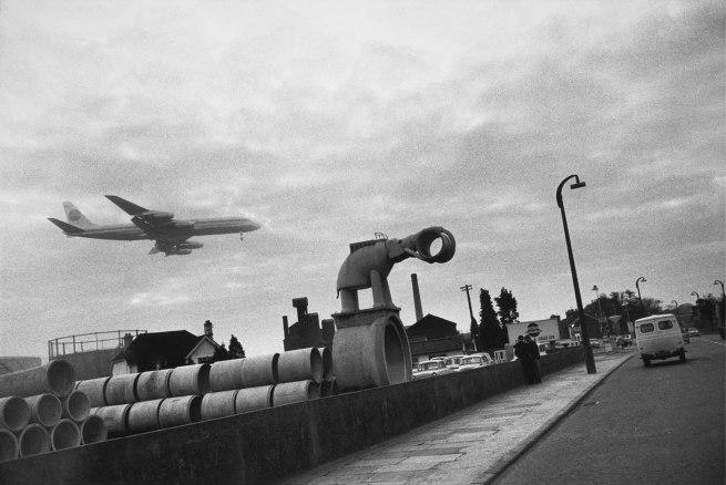 Joel Meyerowitz. 'London, England' 1966