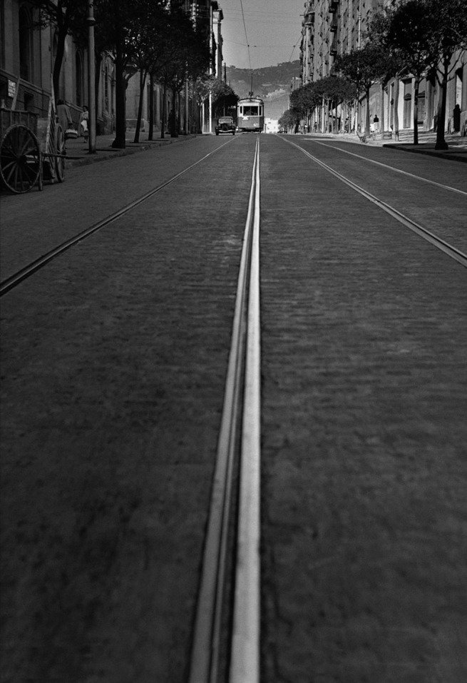 Francesc Català-Roca. 'Calle Muntaner' (Muntaner Street) 1950 (circa) / Posthumous print, 2003