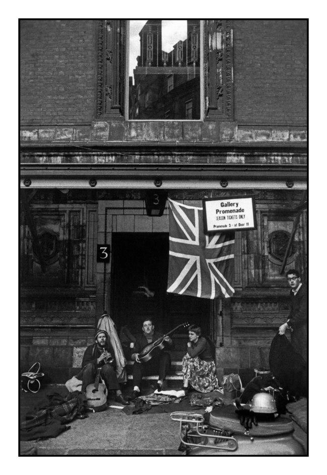 Bruce Davidson (b. 1933) 'Albert Hall, London' 1960