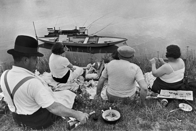 Henri Cartier-Bresson. 'Sunday on the banks of the River Marne' Juvisy, France 1938